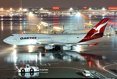 """Qantas Boeing VH-OJU """"Lord Howe Island"""" at Tokyo-Haneda, March Heading out for a departure as to Sydney. Rolls Royce Engines, Pacific Airlines, Boeing 747, Tokyo, Aircraft, Engineering, Australia, Japan, Akira"""