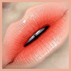 #ShareIG Sounds Like Noise, Sushi Kiss, Sweet N Sour MAC Lipsticks with Naked Liner Lipliner.