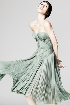Zac Posen: Resort 2014 RTW [expression is weird, but I'm more upset over the hair, fix the hair]