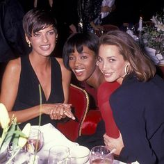 Mood of the night:  New York City 1989 || Linda Evangelista Naomi Campbell e Christy Turlington  #MCMood #MCNight #LindaEvangelista #NaomiCampbell #ChristyTurlington #Topmodels #anni90 #moodofthenight #PlazaHotel #newyorkstyle ( @gettyimages )  via MARIE CLAIRE ITALIA MAGAZINE OFFICIAL INSTAGRAM - Celebrity  Fashion  Haute Couture  Advertising  Culture  Beauty  Editorial Photography  Magazine Covers  Supermodels  Runway Models