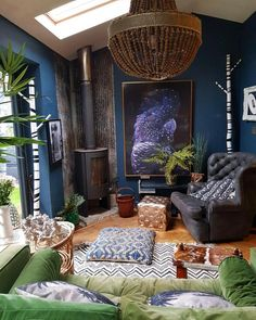 home decor behomian style Eclectic Living Room, Living Room Decor, Living Spaces, Eclectic Chairs, Dark Living Rooms, Interior Inspiration, Room Inspiration, Deco Design, Salon Design