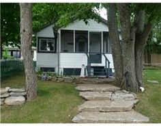 1444177, 2 ELDER Street , DUNSFORD, #Ontario   K0M1L0 will not last long at this price!