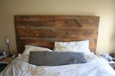 love this bed....originally from http://www.sanityandchaos.com/