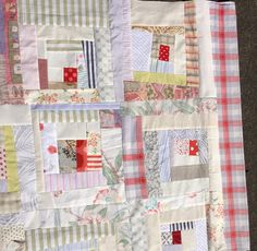 Rabbit Mother ...............  Low volume log cabin - nifty quilts: Gwen Marston