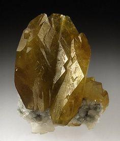 Titanite Tormiq, au-dessus de Baghicha, Route de Gilgit-Skardu, Territoires du Nord, Pakistan Taille=29×18 mm