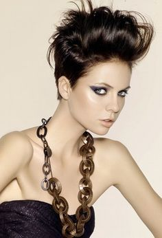 Short funky hair! I so want to do this!