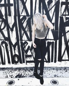 Madilyn Bailey Instagram @madilynbailey black and white ripped jeans & graffiti
