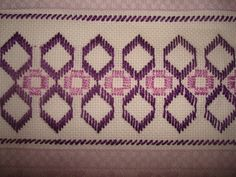idea for bookmark? Swedish Embroidery, Blackwork Embroidery, Embroidery Needles, Hand Embroidery, Bargello Needlepoint, Palacio Bargello, Monks Cloth, Swedish Weaving, Drawn Thread