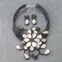 Silvery Grey Shell Floral Pearl Jewelry Set