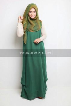 Hijabi version of Eowyn inspired outfit. the colors are so Rohan! Modest Wear, Modest Dresses, Modest Outfits, Sleeveless Dresses, Abaya Fashion, Modest Fashion, Fashion Outfits, Muslim Women Fashion, Islamic Fashion