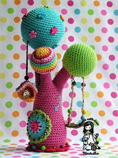 No Pattern: Crochet tree byVendula Maderskaon Flickr via Mingky Tinky Tiger