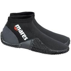 8317ed44bb7f Mares Equator Dive Wetsuit Ankle Boots versatile neoprene watersports  footwear from Mares providing warmth and protection for many activities