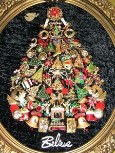 Vintage Christmas Tree Pictures Costume Jewelry 54 Ideas For 2019 Jeweled Christmas Trees, Christmas Angels, Christmas Art, All Things Christmas, Vintage Christmas, Christmas Decorations, Holiday Decor, Modern Christmas, Christmas Lights
