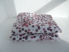 """Vintage summer curtains in a light retro floral, pink, plum and white, fresh and pretty, mod, Plumbs - PAIR 53.8"""" by BlindDogVintage on Etsy"""
