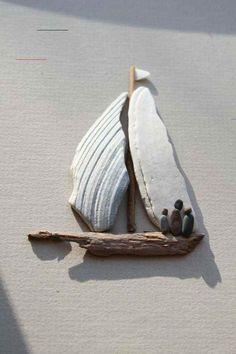 Steine bemalen- 40 Bastelideen für eine gelungene Farbgestaltung - #bastelnmitsteinen - Steine bemalen ist eine sehr beliebte und durchaus kreative Beschäftigung, die von Kindern und Erwachsenen nachgegangen wird. Ob Bastelidee oder Dekoration... Seashell Art, Seashell Crafts, Beach Crafts, Summer Crafts, Seashell Painting, Stone Crafts, Rock Crafts, Art Crafts, Decoration Crafts
