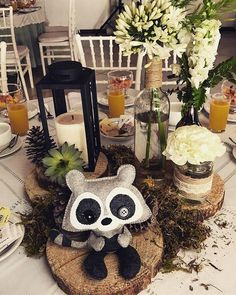 Cute Woodland Baby Shower Ideas For Any Budget Woodsy Baby Showers, Forest Baby Showers, Baby Shower Winter, Baby Winter, Lantern Centerpieces, Baby Shower Centerpieces, Baby Shower Decorations, Boy Baby Shower Themes, Baby Boy Shower