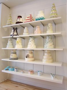 Cake design shelving