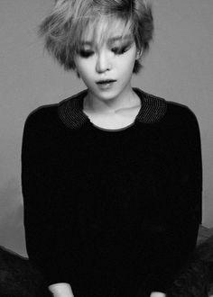Medium Hair Styles, Short Hair Styles, Korean Makeup Look, Ga In, Brown Eyed Girls, Black And White Aesthetic, Korean Star, Girl Short Hair, First Girl