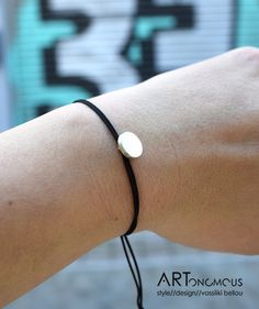 Geometric silver charm bracelet - ARTonomous // Style // Design