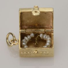Vintage 14k Gold Hope Chest w/ Freshwater Pearl Necklace Movable Charm 14 karat..