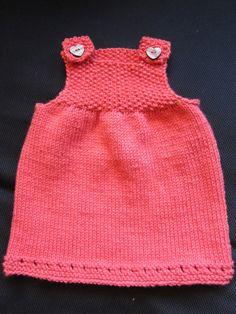 Strikkeguri sine strikkerier: Søt og enkel babykjole