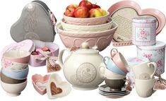 Yvon Jaspers productline ~ i love those, must have the huge bowls for our fruit in the kitchen Kitchen Vignettes, Kitchenware, Tableware, Cottage Chic, Cup And Saucer, Jasper, Tea Cups, Shabby Chic, Mugs