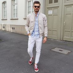 Best Men's Bomber Jackets Collection For This Fall 2018 18 Pilot Leather Jacket, Bomber Jacket Men, Bomber Jackets, Aviator Jackets, Stylish Mens Fashion, Stylish Mens Outfits, Fall Fashion, Stylish Menswear, Fashion Trends