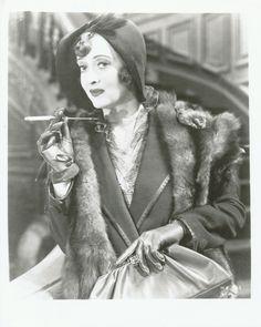 Bette Davis in 'Mr. Old Hollywood Stars, Hollywood Icons, Golden Age Of Hollywood, Vintage Hollywood, Classic Hollywood, Hollywood Actresses, Lucille Ball, Divas, Bette Davis Eyes