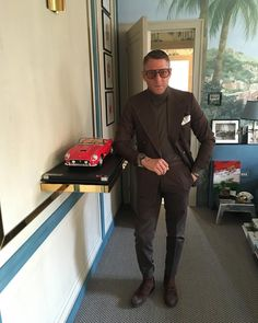 #LapoElkann Lapo Elkann: Ready to rock my Day . #workhardplayhard #lifeinthefastlane