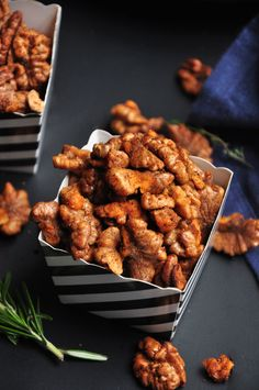 These spiced roasted walnuts make the perfect salad topper or healthy snack. Easy, versatile, and done in 20 minutes. They are gluten-free and vegan. Healthy Superbowl Snacks, Healthy Vegan Snacks, Vegetarian Recipes, Healthy Recipes, Paleo Treats, Vegan Appetizers, Vegetarian Options, Vegan Desserts, Snack Recipes
