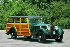 Once owned by the Earl of Moray, a descendant of King James V of Scotland, this 1930 Rolls-Royce Phantom II sold for $110,000.