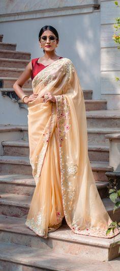 Half Saree Lehenga, Wedding Sari, Party Wear Sarees, Indian Sarees, How To Wear, Color, Design, Style, Fashion