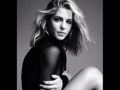 Arrow's Emily Bett Rickards Reveals Fitness Secrets to 'Bello': Photo Emily Bett Rickards lets her hair run wild on this stunning new cover for the issue of Bello magazine. Here's what the Arrow star had to share… Emily Rickards, Emily Bett Rickards Bikini, Arrow Felicity, Felicity Smoak, Miley Cyrus, Actrices Blondes, Blonde Actresses, Female Actresses, Actrices Sexy