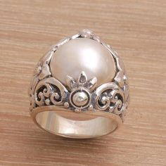 Cultured Mabe Pearl and Sterling Silver Lotus Cocktail Ring - Lotus Moonlight Gems Jewelry, Cute Jewelry, Vintage Jewelry, Unique Jewelry, Gold Jewellery, Jewelry Box, Jewlery, Jewelry Making, Vintage Style Engagement Rings