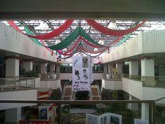 Christmas Decoration 2012 - Holguines Trade Center (2)
