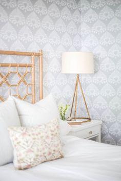 Coastal guest bedroom decor: Photography: Doreen Corrigan - http://doreencorrigan.com/