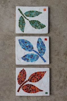 Blue Mosaic Leaf garden outdoor wall art by MadeByNatalieKmosaic leaves - instead of these - use sycamore, oak, beech with similar colours and same pale background to bring them all together with a common themesee more ideas mosaic leaves Mosaic Tray, Mosaic Tile Art, Mosaic Pots, Mosaic Artwork, Blue Mosaic, Mosaic Crafts, Mosaic Projects, Mosaic Glass, Glass Tiles