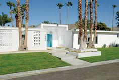 Located in the southern end of Palm Springs, this midcentury modern home sparkles anew after renovation by two Portland, Oregon, transplants who traded in their corporate jobs to follow their dreams.