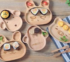 Enjoy your meal with the entire animal kingdom with the Animal #Wooden #Plates by PICSES.