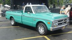 Now here's a color that needs to come back in style! Could you picture a 2012 GMC Sierra with the same color scheme as this old GMC Pickup?