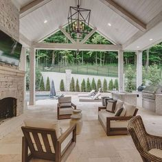 Discover year-round havens and extensions of the well-appointed home with the top 50 best patio ceiling ideas. Back Patio, Backyard Patio, Backyard Covered Patios, Covered Patio Design, Outdoor Kitchen Patio, Outdoor Kitchen Design, Interior Exterior, Exterior Design, Luxury Interior