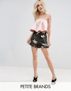 Discover women's petite clothing with ASOS. Shop for petite dresses, petite tops, jeans and coats. Find the fit that suits your style today at ASOS. Petite Outfits, Petite Dresses, New Outfits, Latest Fashion Clothes, Latest Fashion Trends, Fashion Online, Stylish Petite Clothing, Vegas Dresses, Petite Tops