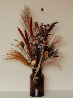 Dried Flower Bouquet, Flower Bouquet Wedding, Diy Flowers, Flower Decorations, Beauty And Beast Wedding, Flora Design, Dried Flower Arrangements, Fancy Houses, How To Preserve Flowers