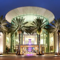 The Mall at Millenia offers Concierge Service to help make your shopping experience extraordinary!