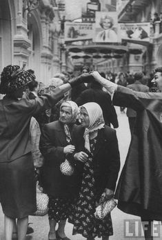 Dior fashion week in Moscow, 1959( the old ladies' faces)