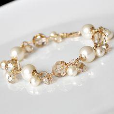 Pulsera de perlas de oro pulsera de cristal de por somethingjeweled