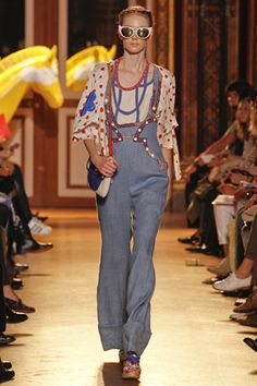 Tsumori Chisato Spring 2011 Ready-to-Wear Collection Slideshow on Style.com
