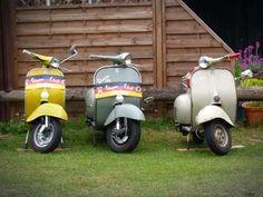 Verschiedene Oldtimer #Vespa #rollerausblech