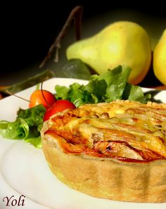 Quiche with pear and blue cheese Bulgarian Recipes, Bulgarian Food, Queens Food, Blue Cheese, Baked Potato, Quiche, Favorite Recipes, Serbian, Vegetables