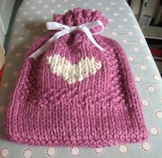 RosMadeMe: Pierina's Snuggly Hot Water Bottle Cover - Christmas Tutorial no 12